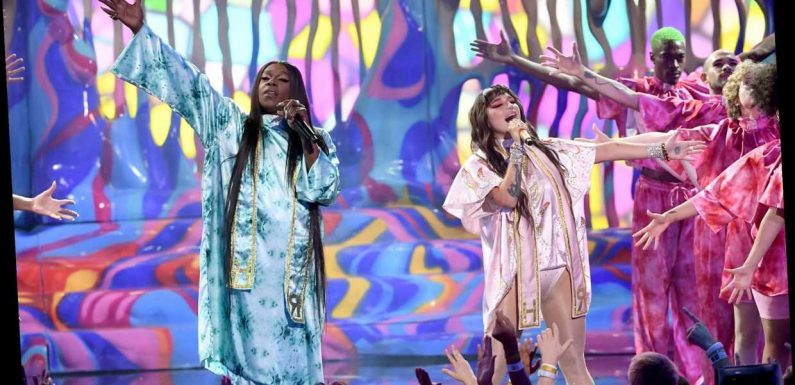Watch Kesha, Big Freedia's Raucous Performance of 'Raising Hell' at the AMAs