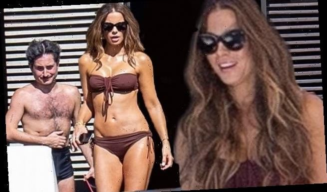 Kate Beckinsale flaunts her washboard abs during a vacation in Cabo