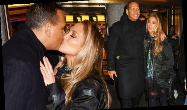 Jennifer Lopez and Alex Rodriguez pack on the PDA