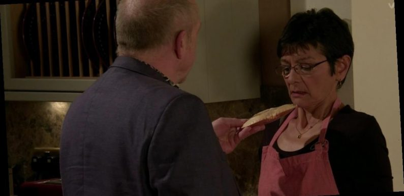 Coronation Street viewers 'raging' at 'manipulative' Geoff in crab shell scene