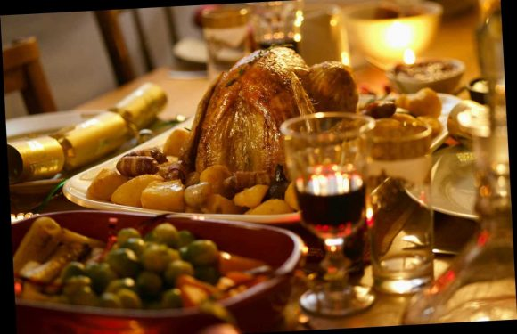 How to have a full Christmas dinner for four, including booze and pressies for under £100