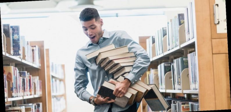 Man shares hack to make big books easier to carry and he's branded a 'murderer'