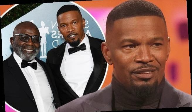 Jamie Foxx reveals his divorced parents live with him in SAME house