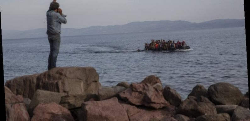 Greek government pushes ahead with floating barrier to stop migrants