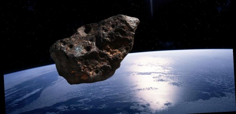 NASA says an asteroid the size of a Boeing 747 will skim past Earth tonight
