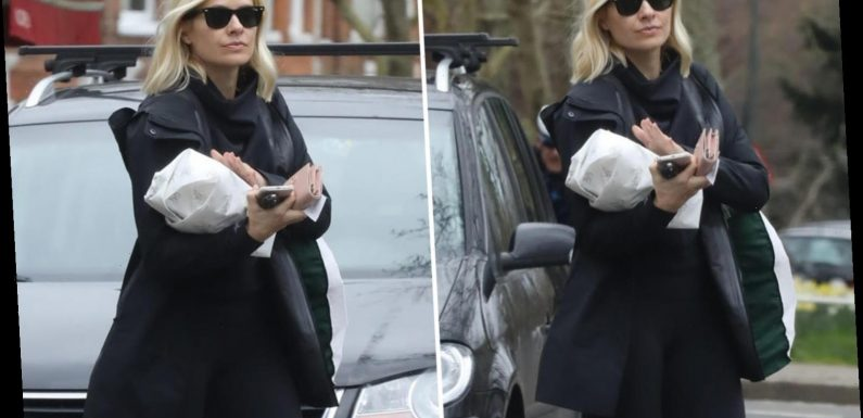 Holly Willoughby seen picking up supplies after admitting she fears for elderly mum amid coronavirus pandemic – The Sun