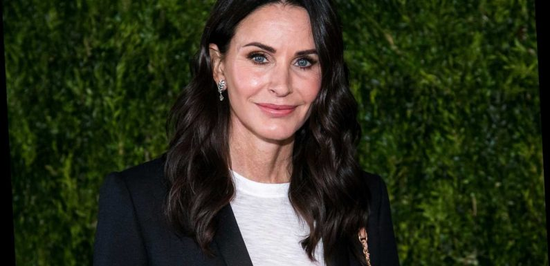 Courteney Cox Is Binge-Watching Friendsto Prep for Reunion: 'I Have Such a Bad Memory'