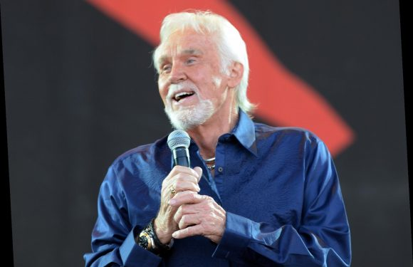 Dolly Parton, Lionel Richie, Jason Isbell to Sing for Kenny Rogers in New CMT Tribute
