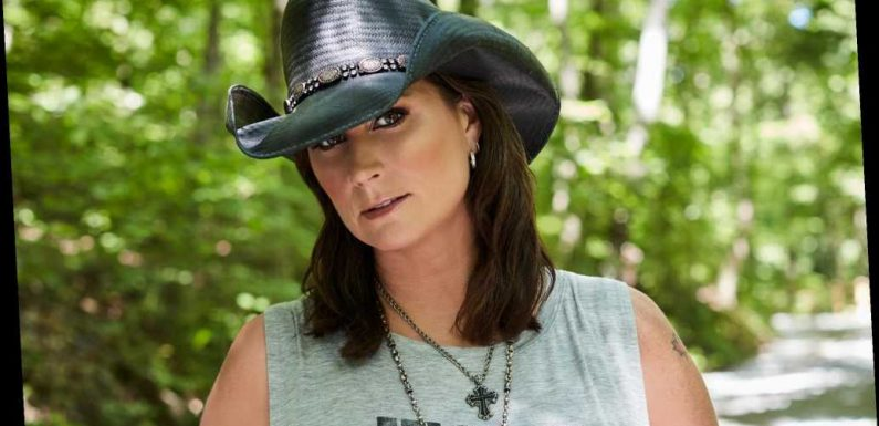 Terri Clark Preps Holiday Album Featuring Dierks Bentley, Ricky Skaggs