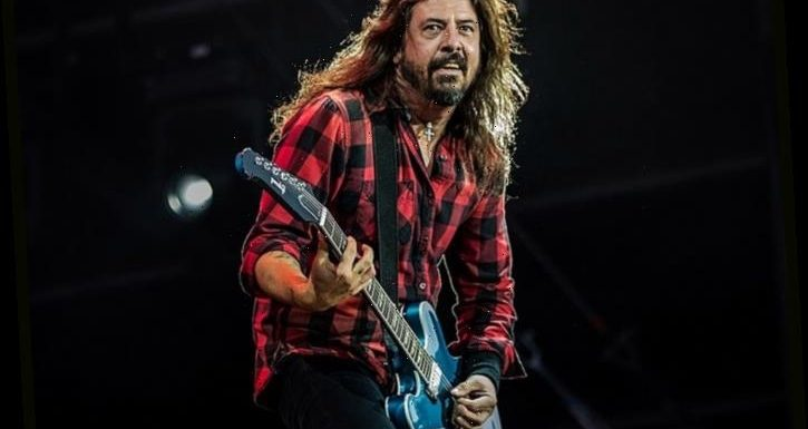 Dave Grohl Reflects On Joining Nirvana, Recording First Foo Fighters Album