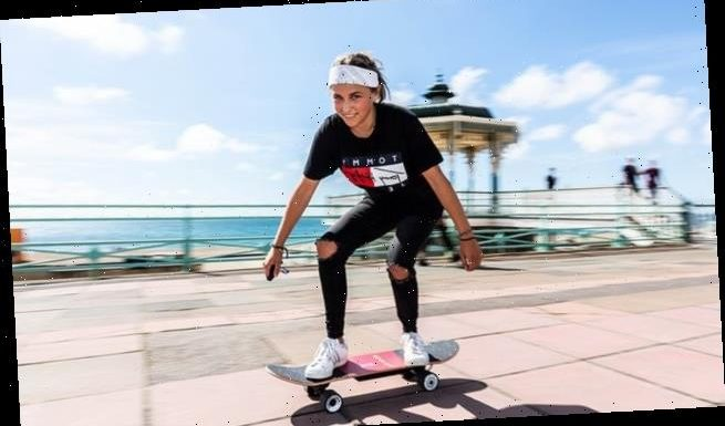 Teenage girl invents the 'Electrodeck' remote-control skateboard