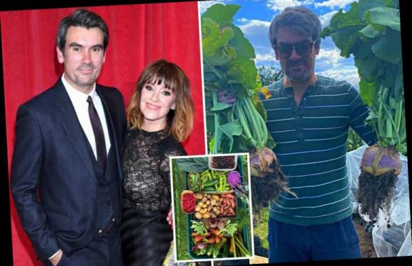 Emmerdale's Zoe Henry gives fans a rare glimpse into home with co-star Jeff Hordley as she shows off veg she's grown