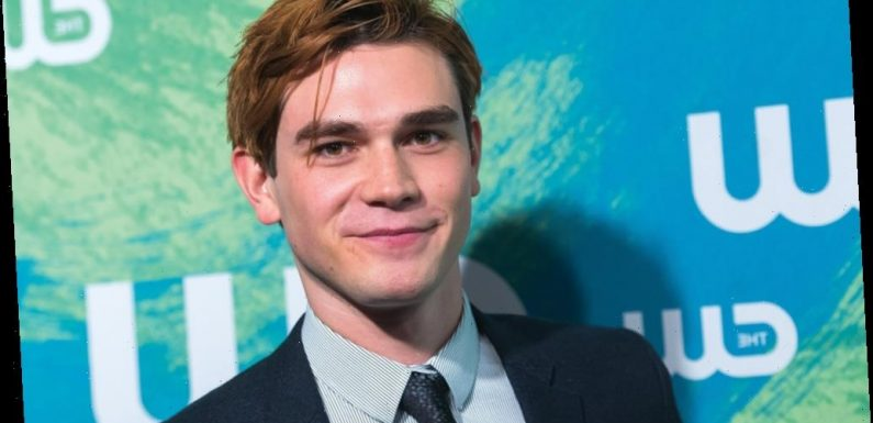 KJ Apa and Sofia Carson Pandemic Thriller 'Songbird' Sells to STX