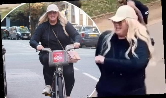 Gemma Collins dances with a group of strangers in Hyde Park
