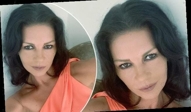 Catherine Zeta-Jones, 50, displays her youthful visage in new selfie