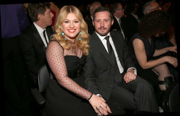 Uh…Kelly Clarkson Is Being Sued by Her Estranged Husband's Dad
