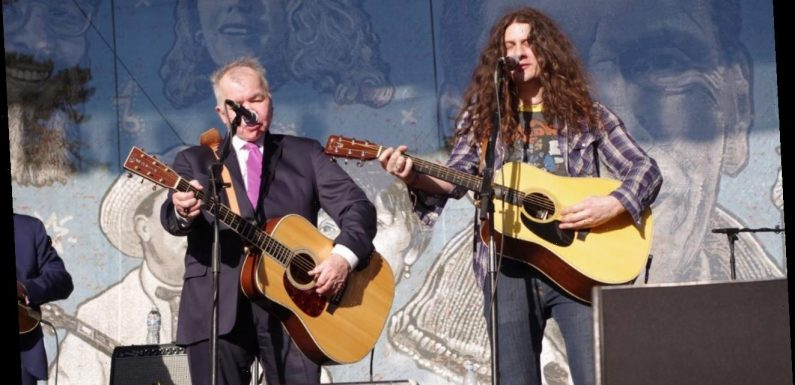 How Kurt Vile Got to Sing With His Hero John Prine on a New EP
