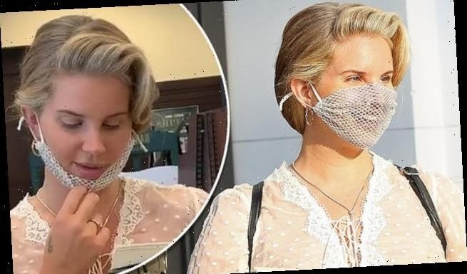 Lana Del Rey angers fans as she wears MESH face mask for book event