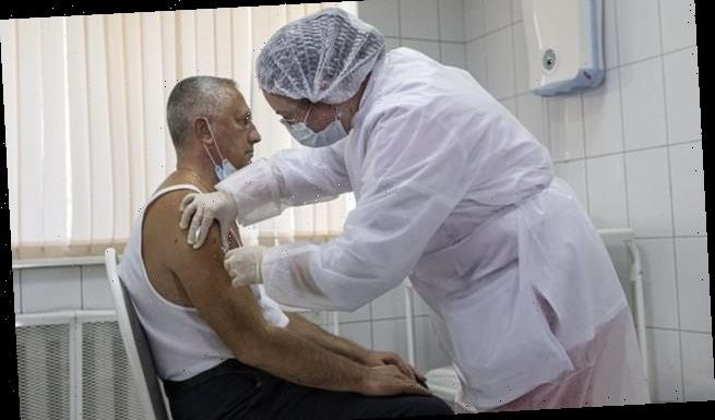 Russia coronavirus: Country approves second vaccine after early trials