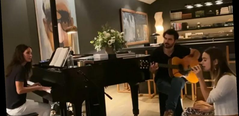 Courteney Cox Plays Piano While Daughter Coco, 16, Sings Fleetwood Mac's 'Silver Springs'
