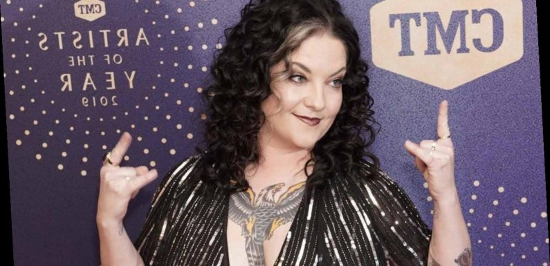Ashley McBryde to Host CMT Music Awards With Kane Brown, Sarah Hyland
