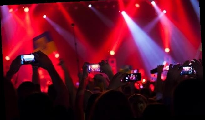 Tweeting and posting photos at concerts 'can improve the experience'