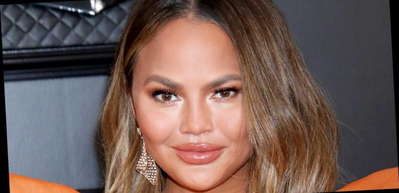 Fans Compare Chrissy Teigen's Haircut to Jennifer Aniston's 'The Rachel'