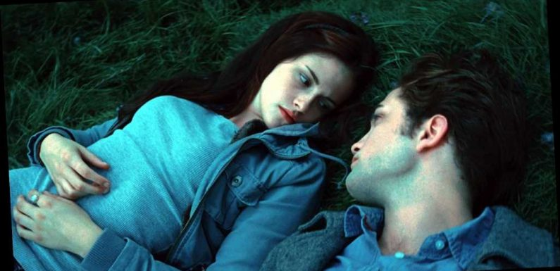 Stephenie Meyer Would Change When Edward Cullen Says 3 Words To Bella Swan in 'Twilight'; It Should Have Happened Much Sooner