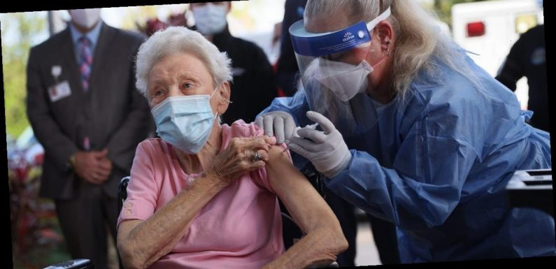 Florida and Texas have started vaccinating people 65 and older against the coronavirus, breaking with CDC guidelines