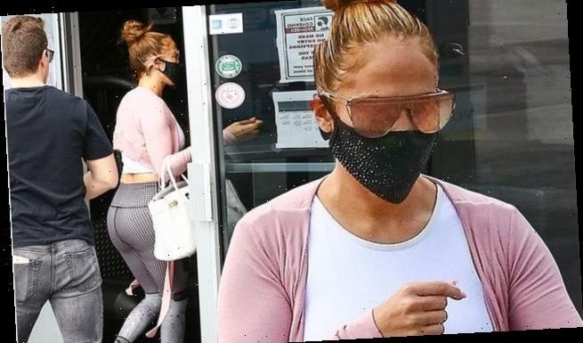 Jennifer Lopez shows off her famous backside before gym time in Miami