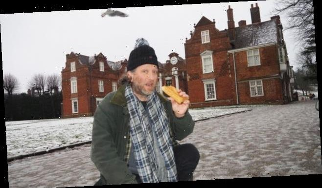 Dad, 47, nabbed by cops for eating sausage roll on park bench during Covid lockdown