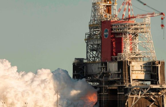 NASA's Decision for Moon Rocket: Test Again or Prepare for Launch?