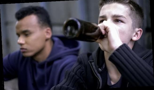 Teens with friends from different schools more likely to drink alcohol