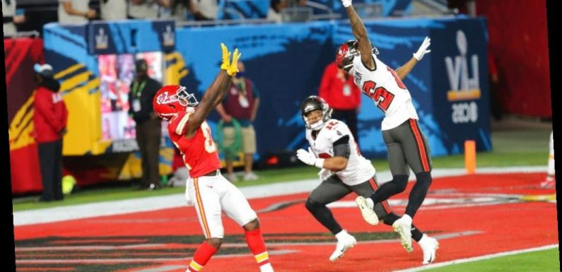 Super Bowl LV Half-Time Report: Kansas City Chiefs Offense Stymied By Tampa Bay Buccaneers