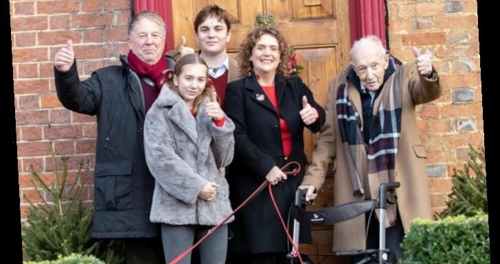 Captain Sir Tom Moore's final picture – Family share last photo of 100-year-old as he dies with Covid