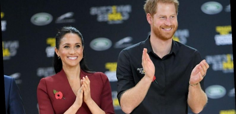 Inside Meghan Markle and Prince Harry's Pregnancy Photo Moment