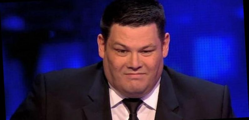 Mark Labbett floors The Chase fans with hunky snap after dramatic weight loss