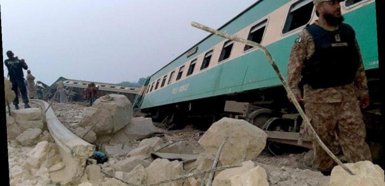 Train derails killing 1, injuring 40 in southern Pakistan