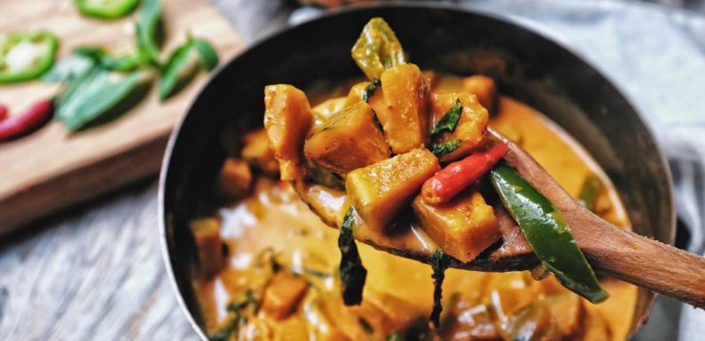 Batch cooking recipe ideas: How to make vegetarian bhuna curry