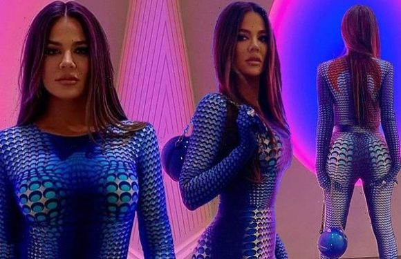 Khloe Kardashian lives out her 'avatar' fantasies in spandex jumpsuit