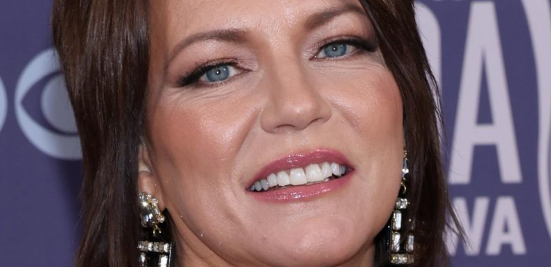 Martina McBride's Bold Outfit At The ACM Awards Has People Talking