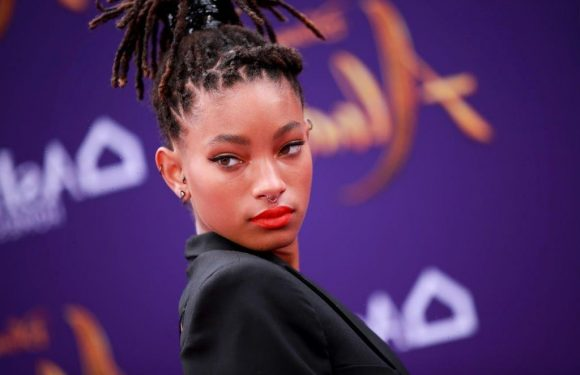 What is Willow Smith's zodiac sign?
