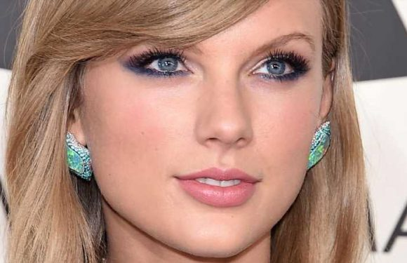 Why Fans Think Taylor Swift Is Going To Make An Announcement About Her Hit Album 1989