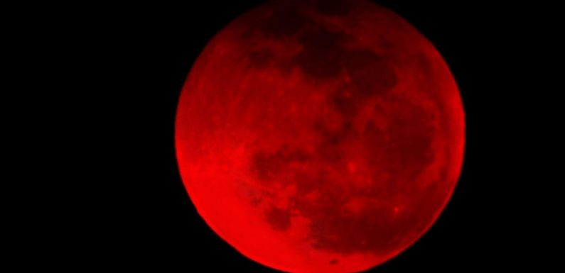 First total lunar eclipse in two years renews 'tetrad' prophecy fears