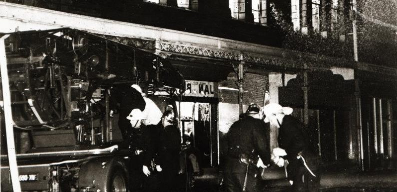 From the Archives, 1966: Crowds block firefighters from Collingwood blaze