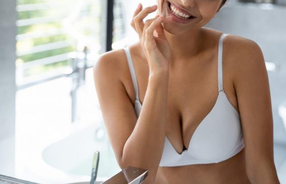 Getting Comfy: This No. 1 Bestselling Minimizer Bra Has So Many Reviews