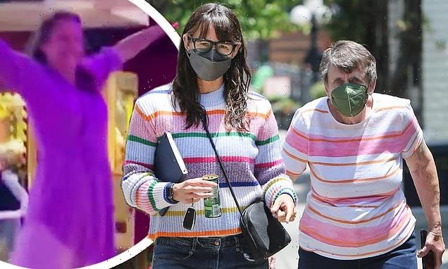 Jennifer Garner and mother Patricia don matching sweaters in LA