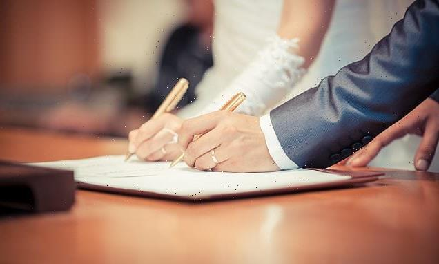 Mothers of bride and groom can be included on marriage certificate