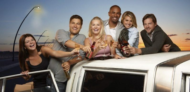 The Surprising Reason Why 'Happy Endings' Was Canceled