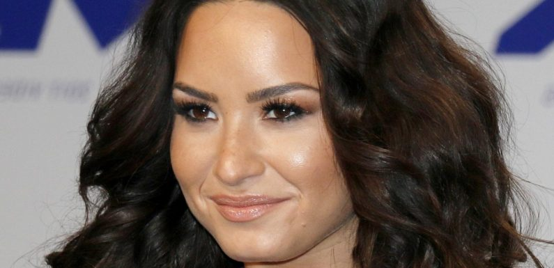 The Untold Truth About Demi Lovato's Mother Dianna De La Garza